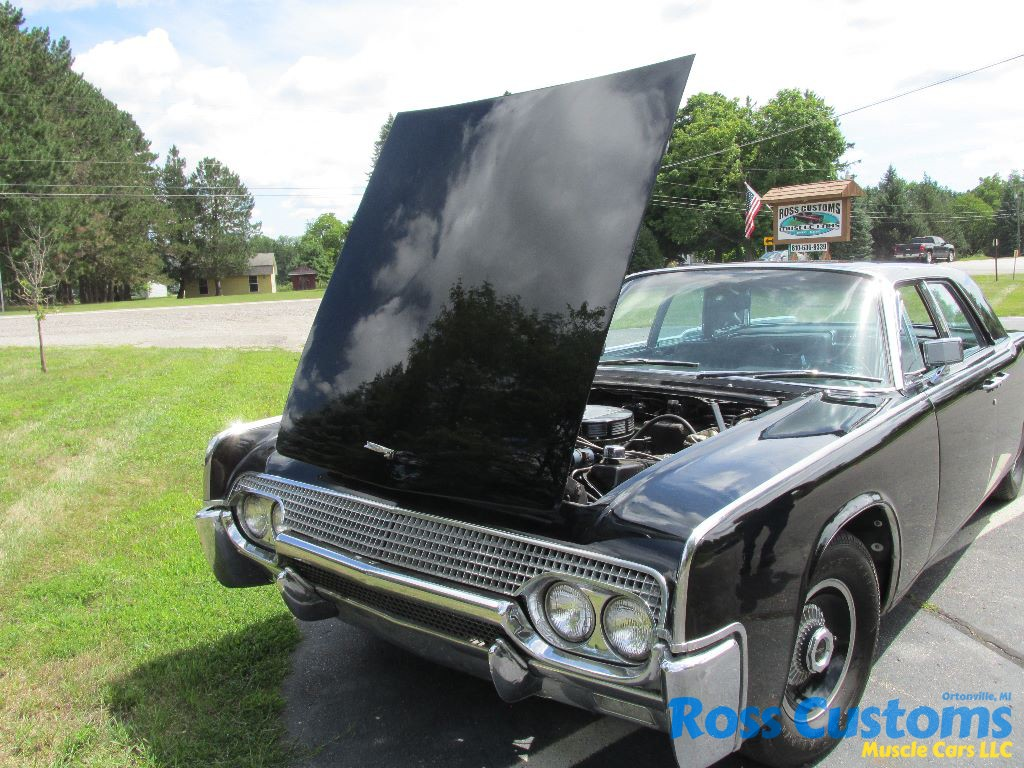 SOLD SOLD – 1961 Lincoln « Ross Customs