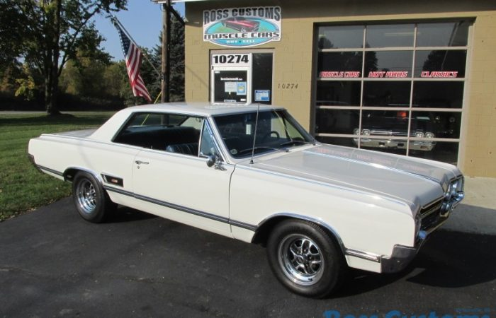 SOLD SOLD - 1965 Oldsmobile Cutlass 422