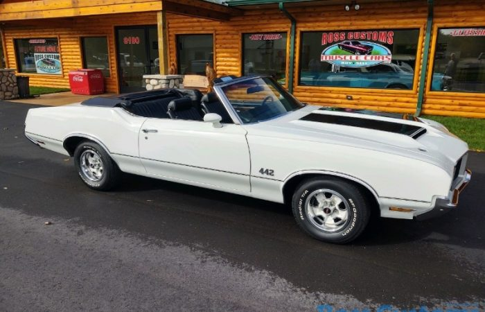 SOLD SOLD - 1972 Oldsmobile 442 - 455 Convertible - #'s matching