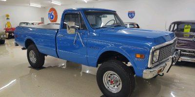 JUST ARRIVED - 1971 Chevrolet C20 4x4 Pickup - $33,900